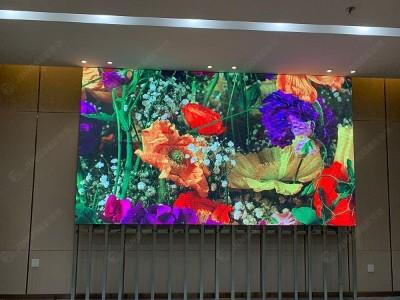 江苏镇江颐高广场 P3室内全彩LED显示屏