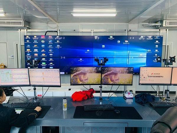 北京香泉环岛调度中心(北京客四)55寸3.5mm 2*4液晶拼接屏