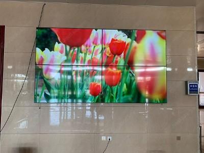 山东济宁市汶上中医院65寸8mm 2*2液晶拼接屏